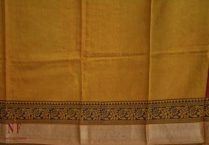 Picante With Golden Orange Handloom Women's Mulberry Silk Sarees